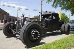 Beatersville rat rod pickup
