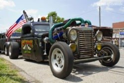 Beatersville rat rod truck